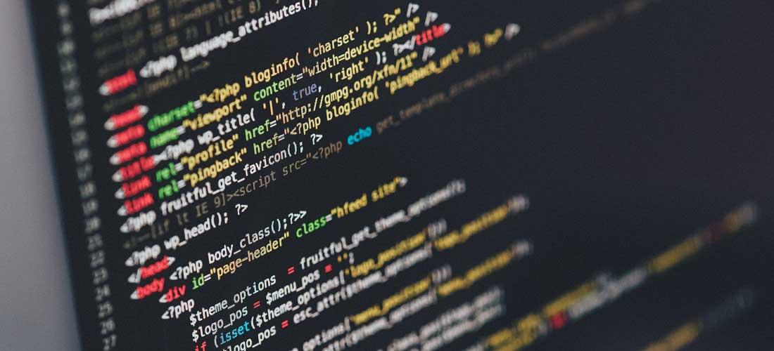 Tworzę makra automatyzujące prace oraz projektuję autorskie systemy zarządzania treścią. Zwracam uwagę na czystość kodu oraz czytelne komentarze.